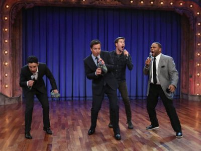 Jimmy Fallon and The cast of Guys With Kids / NBC Universal