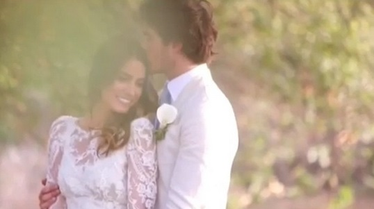 Nikki reed and ian somerhalder share sweet wedding messages for one nikki reed and ian somerhalder share sweet wedding messages for one month anniversary video junglespirit Gallery