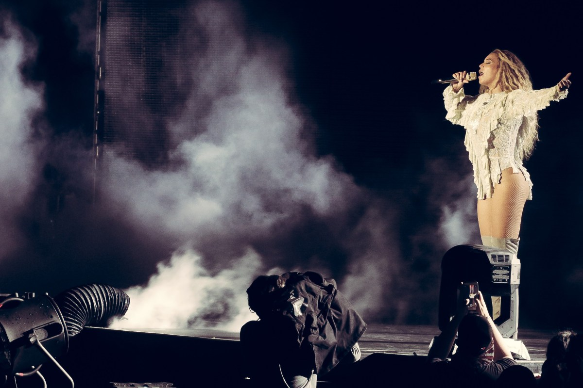 Beyoncé's Formation Tour Beats Out The Rain And Delivers In Philly