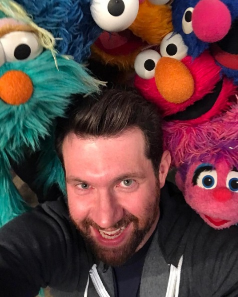 Billy on the Sesame Street selfie/ Photo: Instagram