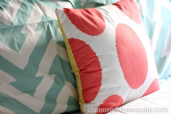 9 by novogratz pillow