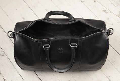 Hand-burnished,-black-Duffel-Bag;-19-x-13-x-9'-topdown2
