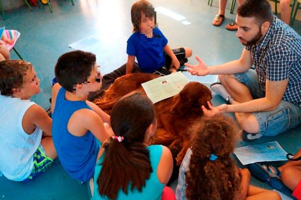 Los niños, muy atentos a las explicaciones, siendo muy respetuosos y participativos en todo momento. ¡Un lujo tratar con ellos!