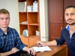 Voluntarii care doresc să facă o schimbare în societate-Adam LAWRENCE și Vladimir ROTARI