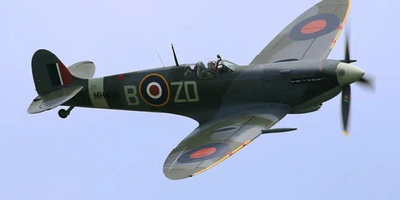Ray_Flying_Legends_2005-1.jpg
