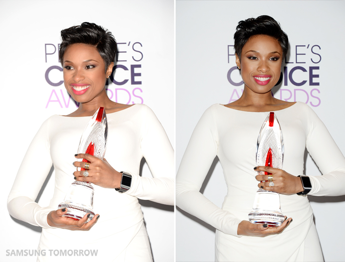 Jennifer Hudson at the peoples choice awards holding the award