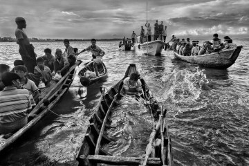 Rohingya fleeing to Bangladesh in 2012 are sent back to sea.