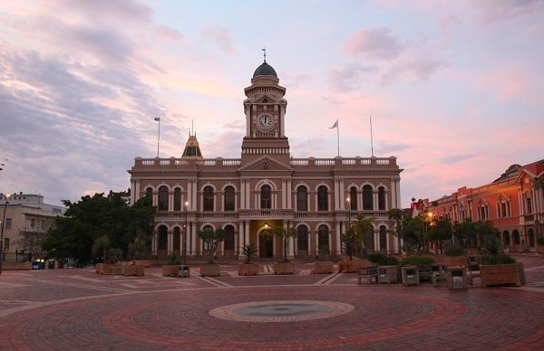 City Hall, Market Square, Port Elizabeth. Photo by Leo za1.