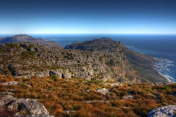 Wide-angle scenery from the top of Table Mountain in Cape Town, South Africa.  Photo by Nicolas Raymond.