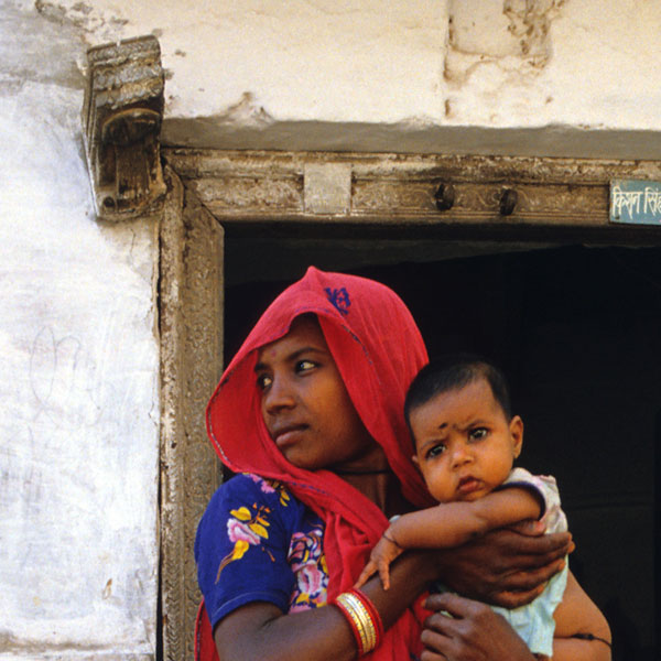 Baby in India. Photo by Michael Gäbler.