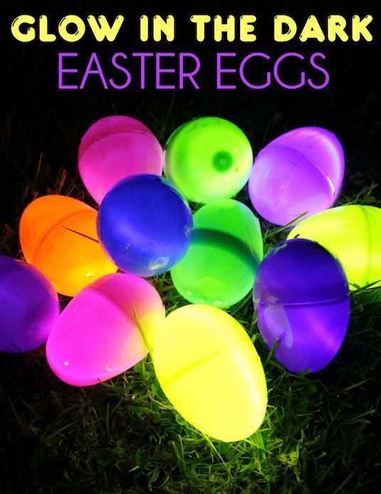 Cool-Glow-Stick-Ideas-Glow-In-The-Dark-Easter-Eggs-7