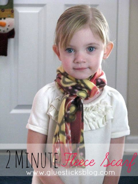 two minute fleece scarf