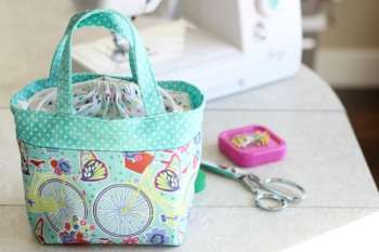 Little Fabric Tote {For Scriptures or a Lunch Bag!}