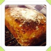 Bröd med boveteflingor o solrosfrön