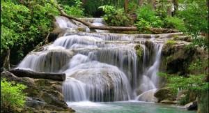 Cataratas Erawan Morales Fallon