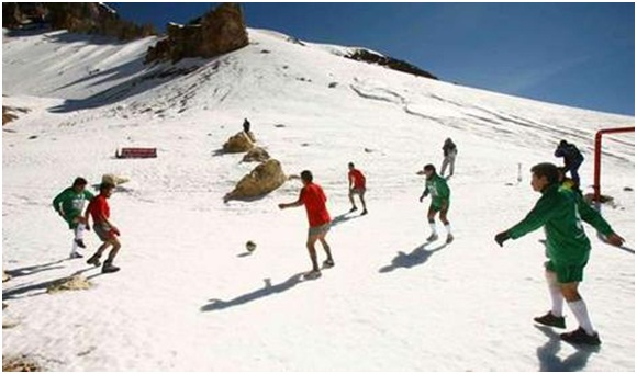 Football on Sajama (6000 m above sea level) in June, 2007