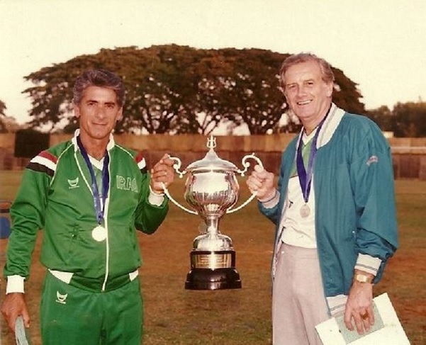 Ammo Baba showing off Merdeka Tournament Champions trophy in 1981 (source: puterea.ro)