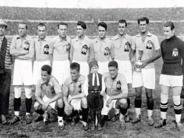 Yugoslavia team in 1930 world cup (milanvukovic in slideshre.net)