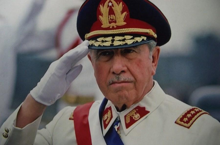 augusto-pinochet Carlos Caszely