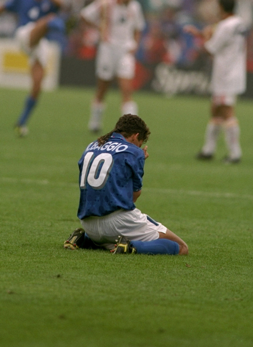 7 Sep 1994: Roberto Baggio of Italy is injured during the World Cup quarter-final against Spain at the Foxboro Stadium in Boston, Massachusetts, USA. Italy won the match 2-1. Mandatory Credit: Simon Bruty/Allsport