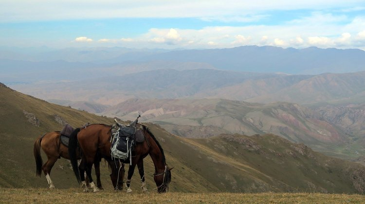 Song Kol Lake: Horse Trekking in Kyrgyzstan