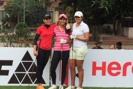 Three Happy Girls - Ankita Tiwana, Neha Tripathi & Kiran Matharu