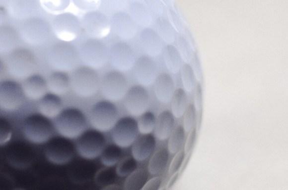 ゴルフボールに印を入れて、分かりやすく使いやすくしよう!