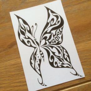 お友達にちょっとした記念のプレゼント!お名前入りの蝶々をモチーフにした絵の贈り物