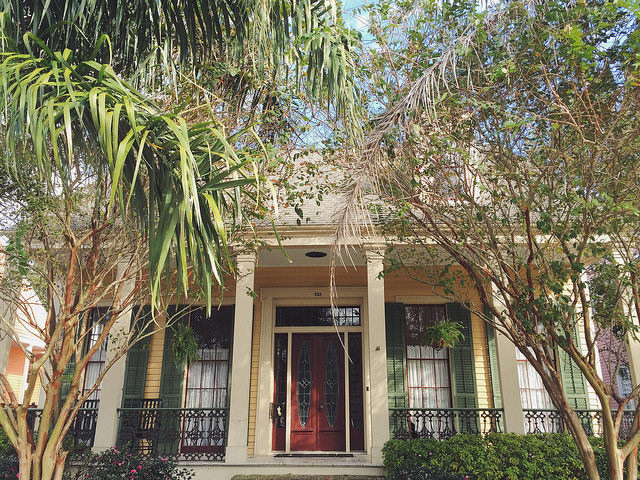 A historic, center hall cottage in Algiers Point