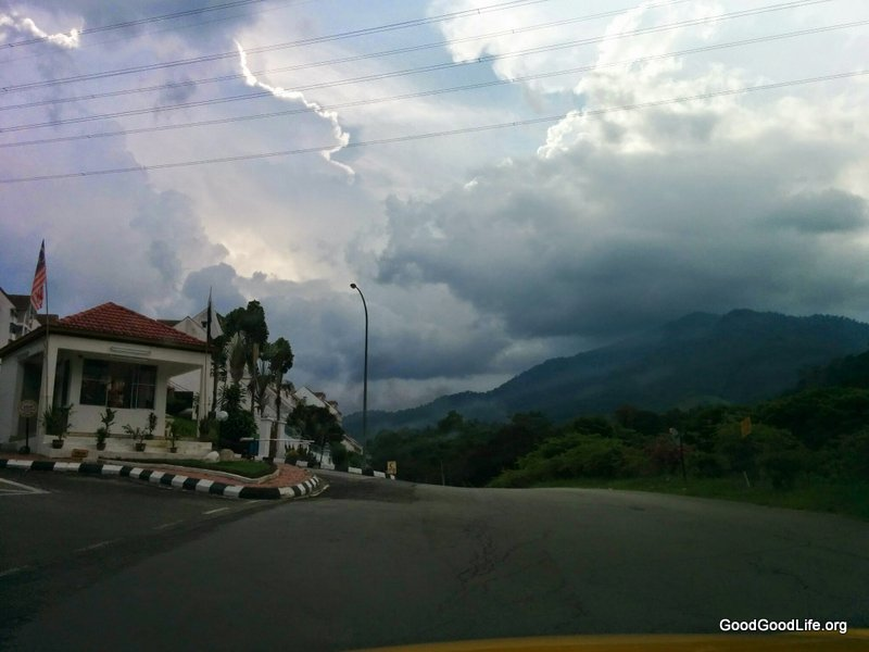 Road up To Selesa Resort