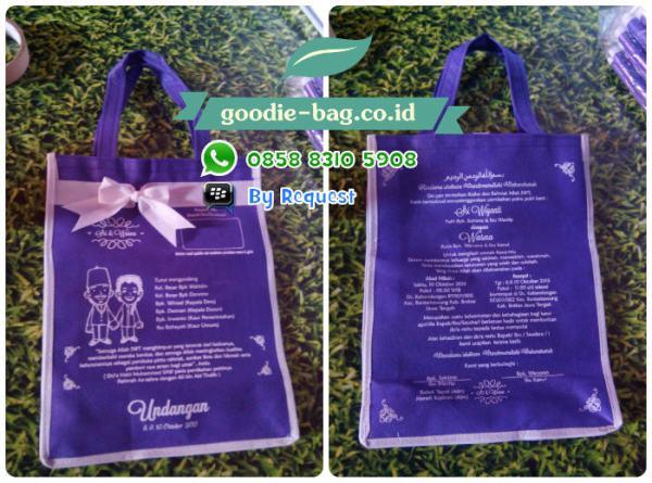 Undangan pernikahan bentuk tas souvenir