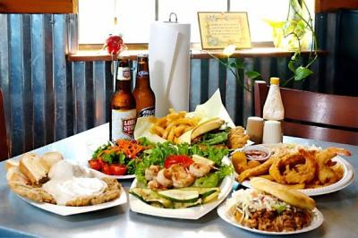 Restaurant Manor, TX | Cafe | Diner | Good Luck Grill ...