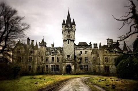 castle-miranda-001