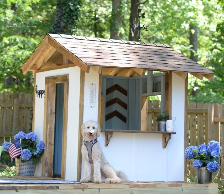 Country Farmhouse Playhouse dog