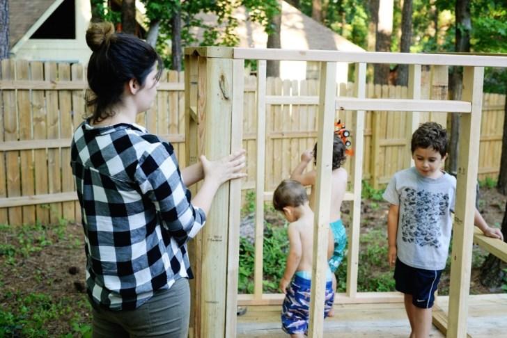 DIy playhouse farmhouse (12)