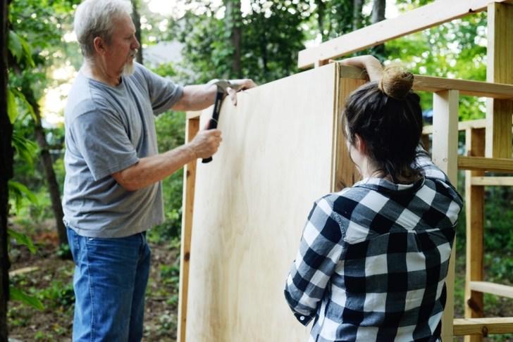 DIy playhouse farmhouse (18)