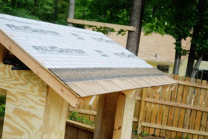 DIy playhouse farmhouse (41)