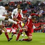 Walcott starts against Vela's Mexico side