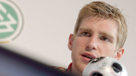Per Mertesacker.. on Wenger's radar