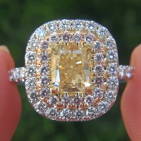 A Gorgeous Natural Fancy Yellow & Pink Diamond Engagement Wedding 18k Ring