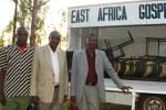 Daniel sammen med to nye evangelister fra Kuria stammen og de har blitt med i Gospel Commission Fellowship