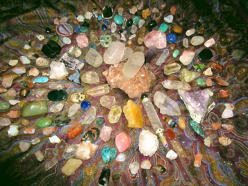 jewelry-crystals-and-gemstones-negative-energy