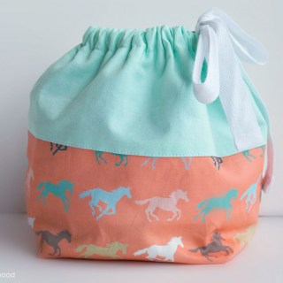 Featured: Reversible Sock Knitting Project Bag