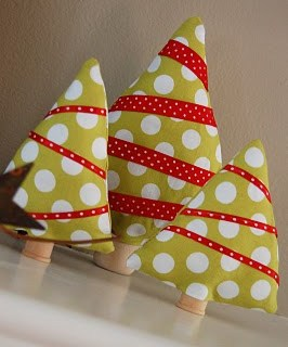Featured: Mini Fabric Christmas Trees Tutorial
