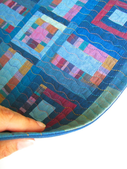 The super duper easy way to face a quilt - Sewtorial