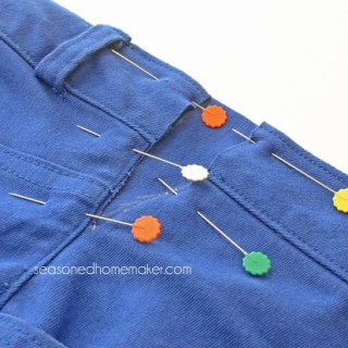 The Seasoned Homemaker gives detailed instructions on how to adjust your jeans waistband in this easy to follow tutorial. -Sewtorial