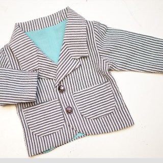 Shwin & Shwin has another great pattern for your little one. Start building your little guys spring wardrobe with this adorable baby blazer. - Sewtorial