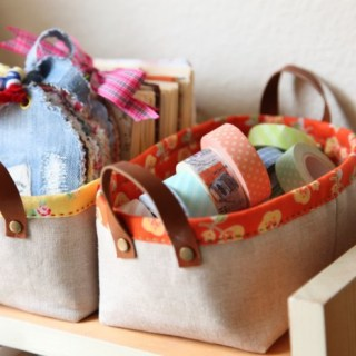 """Minki's Work Table shares an ultra easy pattern for this mini storage basket. It measures 6"""" x 3"""" and stands about 3 inches tall. -Sewtorial"""
