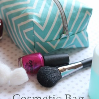 Need a storage solution for your makeup essentials? Try this cosmetic bag tutorial by Girl Inspired. It's the perfect size for travel or home. -Sewtorial