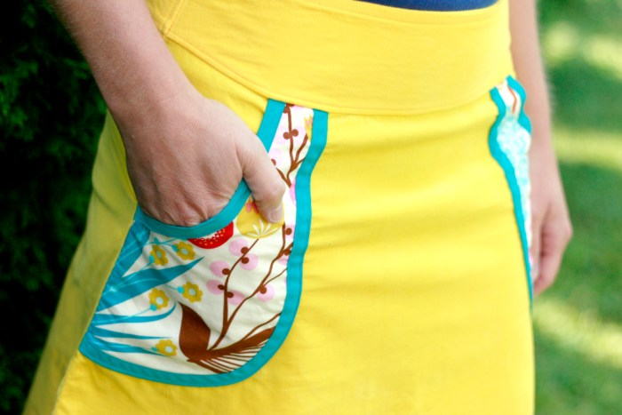 Want to add pockets to your favorite skirt pattern?Craft Buds shows how to add pockets to any skirt in this helpful tutorial. -Sewtorial